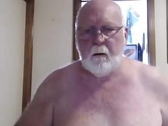 Chap-fallen grandpa show on cam